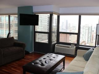 LOVELY AND SPACIOUS 2 BEDROOM, 1 BATHROOM APARTMENT, Chicago