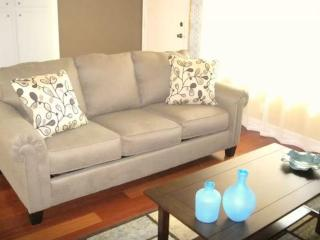 COZY AND FURNISHED 1 BEDROOM APARTMENT, Belmont Shore