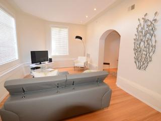BEAUTIFULLY FURNISHED AND CLEAN 1 BEDROOM, 1 BATHROOM APARTMENT, San Francisco
