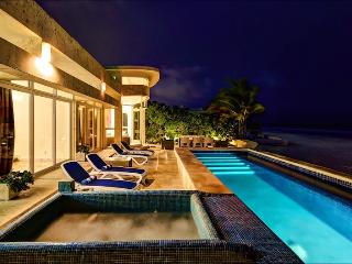 "Luxury Villa Beachfront, Private Pool & Jacuzzi, Chef, 4 Master Bdrms, ""Playa"""