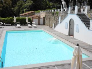 Villa Guinigi luxury apartements, Matraia