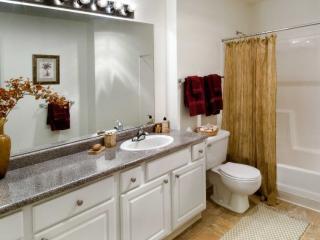 Beautiful 2 Bed 1 Bath Apartment, Redwood City