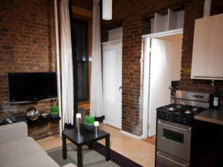 Exposed Brick Detailing - Comfortable 2 Bedroom, 1 Bathroom Apartment in SoHo, Nueva York
