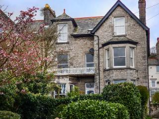 1 FLAXFORD HOUSE, apartment, ground floor, pet-friendly, garden, WiFi, in Grange-over-Sands, Ref 930420