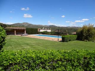 Private Pool/Tennis/3000m2 Garden, Cubelles