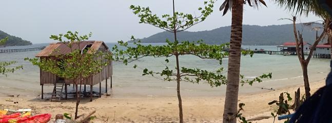 Enjoy the sunrise view across the Bay to Koh Koun island