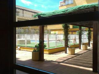 Apartamento con Piscina a 100m de la Playa. Garaje, Isla Cristina