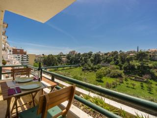 Farmers market flat near beaches and town centre, Cascais