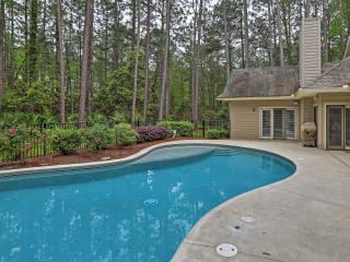 Hilton Head Island Home w/ Huge TV & Private Pool!