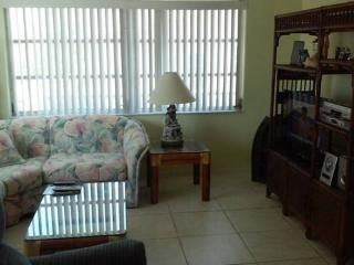 Best Value 2 BR Stilted 1/2 duplex on Canal
