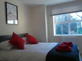 Luxury Apartment by Bournemouth Eastcliff Seaside