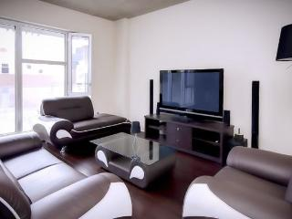 Luxury Condo Downtown Montreal!