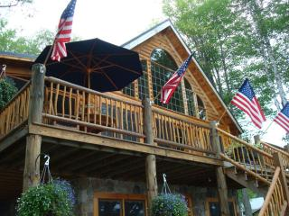 Beautiful Vermont Log Cabin on Neal Pond