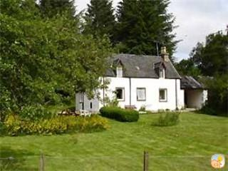 Traditional Foresters Detached cottage (Loch Ness)