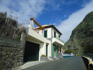 A Casa Estrelícia-Dourada Garcês, São Vicente
