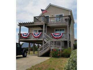 Semi-Oceanfront 4BR on beach access with lifeguard, Kill Devil Hills
