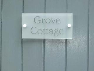 GROVE COTTAGE, pet-friendly, luxury holiday cottage, with woodburner, Thirsk