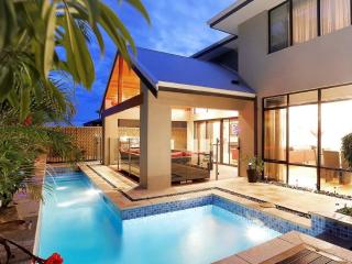 THE RESIDENCE PERTH HOLIDAY STAYS