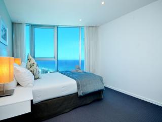 THE BEST TWO BED WITH STUNNING VIEWS a22902, Surfers Paradise