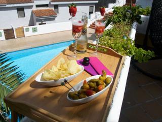 Chalet adosado con terraza y piscina, Santa Brigida