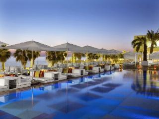 W Hotel - Luxury Suite, Montserrat