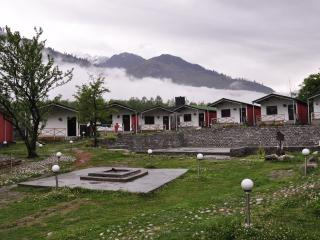 Luxury River Side Cottages, Manali