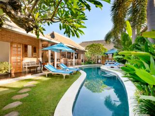 VILLA AMSA, BALINESE FEEL, WALK TO SHOPS, VALUE, Seminyak