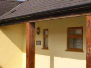 Laurel Cottage - 403530, Conwy