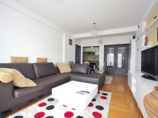 Sunset two-bedroom apartment (1), Budva