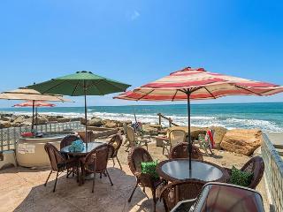 10 Bedroom Home on Beach, Semi-Private Beach, Rooftop Decks..