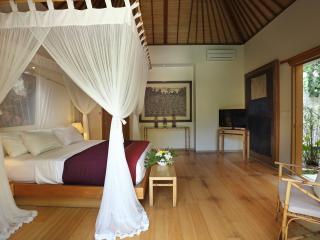 Villa with 2BR at Batubelig!, Kuta