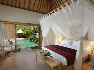 Super Villa on Batubelig!, Kuta