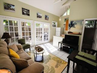 Colony Caylpso - A quaint 1 Bedroom Cottage just two blocks to Duval, Cayo Hueso (Key West)