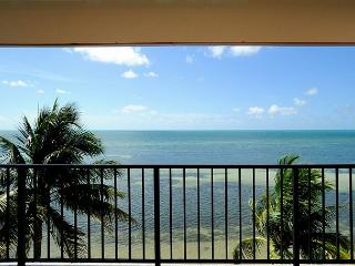 Beach Club #408 - Unique Oceanfront living, Key West