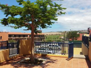 2 BEDROOM VILLA CLOSE TO THE OCEAN AND GOLF COURSE, Costa Meloneras