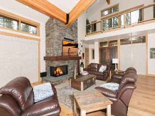 NEW LISTING - Gorgeous 4 BR 4.5 Bath Home in Schaffer's Mill, Truckee