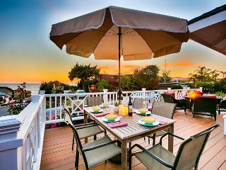 20% OFF JUNE DATES Charming cottage, ocean views + hot tub, steps to the sand, La Jolla