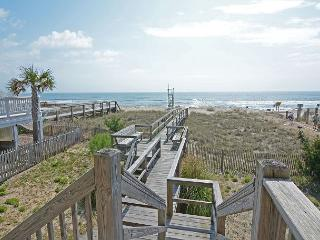 Dolphin View - Wonderful oceanfront home in Kure Beach