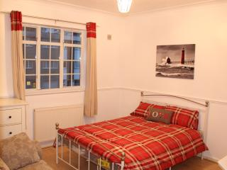 Charming 10 sleeper House with Garden London Zone2