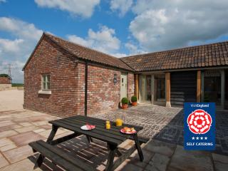 Seed Shed Cottage: Sleeps 2, Bath