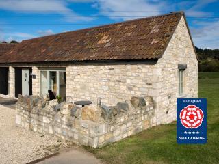 Cart Shed Cottage: Sleeps 2, Bath