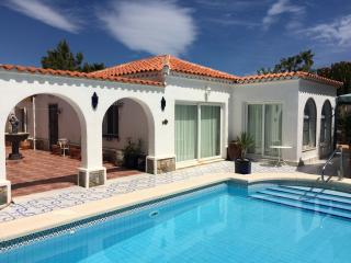 Luxury Private Villa & Pool (3 Bed)