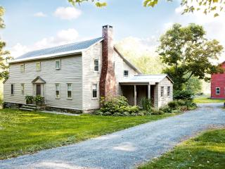Country estate on 100 acres perfect for families, Chatham
