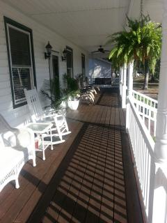 Beach House Retreat, Oak Island