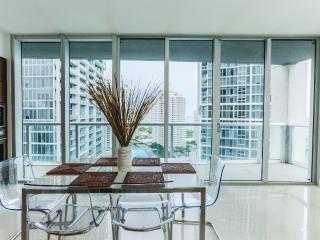 Luxury Waterfront Condo VICEROY, Miami
