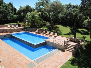 SUMMER 2018 DISCOUNTS at 5* golf front villa. 2-tier pool. Wifi via Fibre Optic