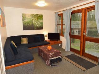 Open plan living area. 32' TV/DVD player