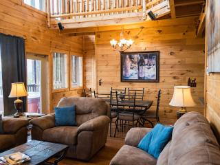 SECLUDED,25 Mile View,Theater Rm,Firepit,Waterfall, Pigeon Forge