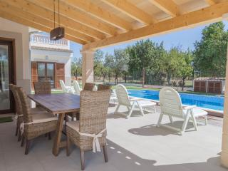 Great villa with pool. Modern style. Built in 2015, Lloseta