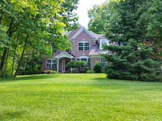 Quiet Private Wooded Estate for RNC, Cleveland